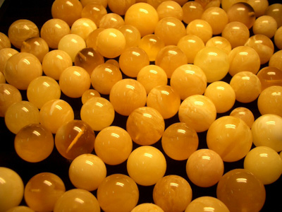 Drilled loose amber beads