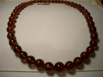Cognac colour necklace (round amber beads)