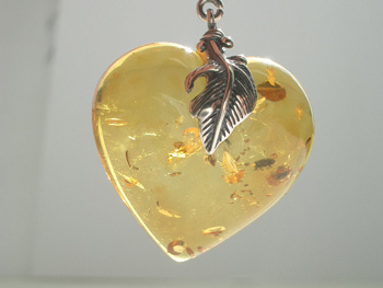 Light honey amber heart pendant with spangles